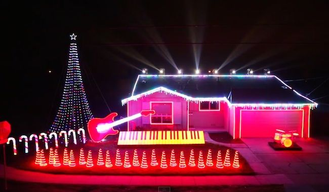 """Merry what?Calling the crazy light show on this guy's house """"Christmas …"""