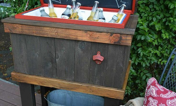 This DIY Rustic Cooler Pallet Project Will Light Up Your Backyard Parties…