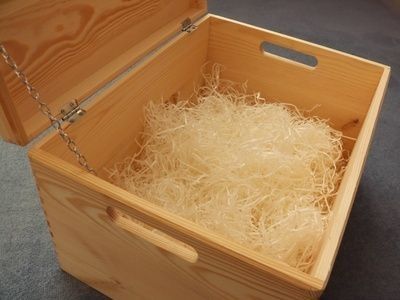 How to Build a Wooden Cooler Box thumbnail…