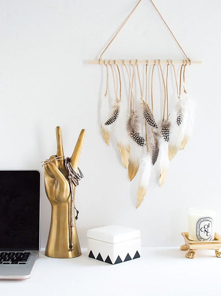 DIY feather wall hanging…