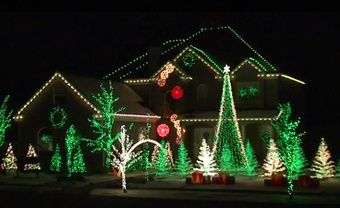 Christmas Lights – It'd be awesome if I could decorate my house like this on…