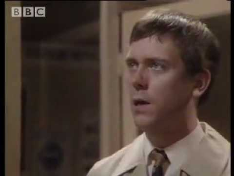 Funny Hugh Laurie & Stephen Fry comedy sketch! 'Your name, sir?' – BBC